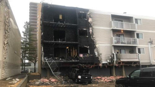 Massive fire sends 1 to hospital, damages central Edmonton apartment building