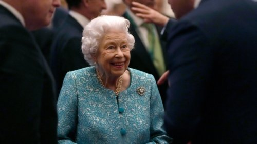 Buckingham Palace: Queen spent night in hospital after scrapping trip