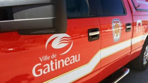 Two boaters rescued from Ottawa River after inflatable boats enter Deschenes Rapids