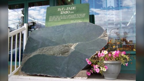 Thieves steal 3,000-pound jade boulder, throw rock at witness' truck in B.C. Interior
