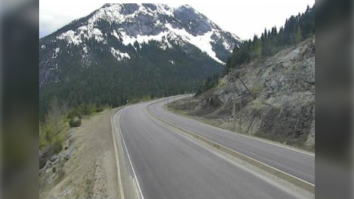 Snow in May: Weather statement warns up to 10 cm could fall on 2 mountain passes