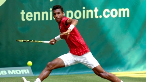 Montreal's Auger-Aliassime stuns Federer at Halle Open
