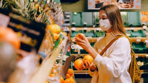 Want to make healthier food choices? Grocery store layouts could help, study finds
