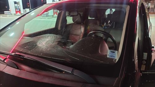 Police investigate after rocks thrown at vehicles from overpass in Lantz, N.S.