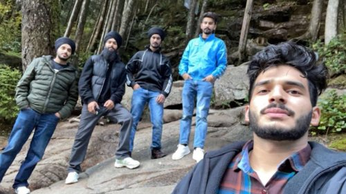 Quick-thinking hikers unravel turbans to help with rescue at Metro Vancouver park