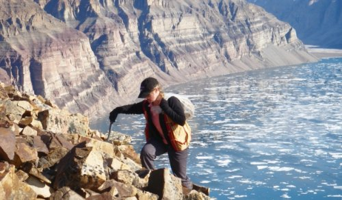 Laurentian University professor may have found the oldest fossil ever discovered