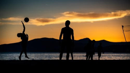 Environment Canada issues special weather statements across Metro Vancouver with temperatures expected to rise