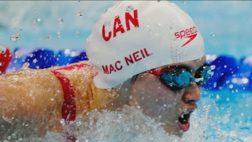 Maggie Mac Neil swims to four medals including a gold at FINA World Cup