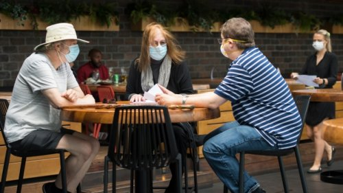 More than 500 COVID-19 infections in Canada linked to exposures at public places, new data suggests