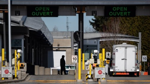 Border security workers to hold strike votes next week, jeopardizing border reopening