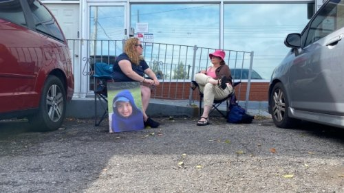 Ontario mother camps outside premier's constituency office for 6th day to get help for son with autism