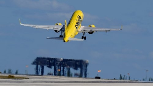 Family temporarily removed from Spirit Airlines flight due to toddler eating without mask