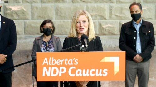 Alberta NDP calls for door-to-door vaccination campaign to increase immunizations