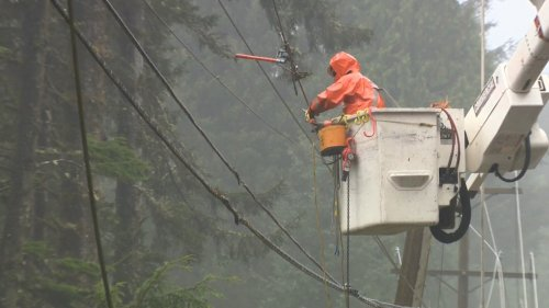 Large power outage affects thousands on Vancouver Island