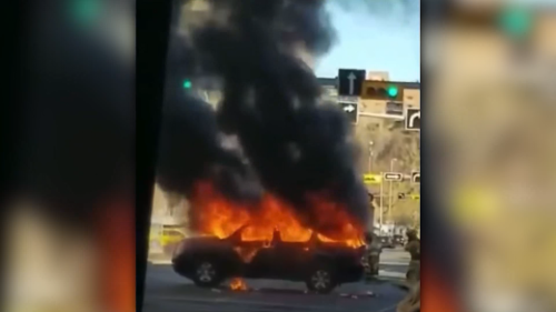Vehicle set on fire in downtown Calgary Sunday: Video