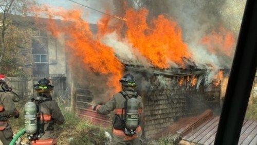 Fire destroys a garage in Saskatoon