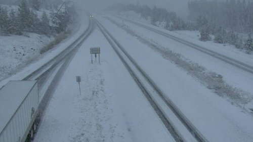 Early snow falls on B.C. highways; drivers warned to watch for changing weather