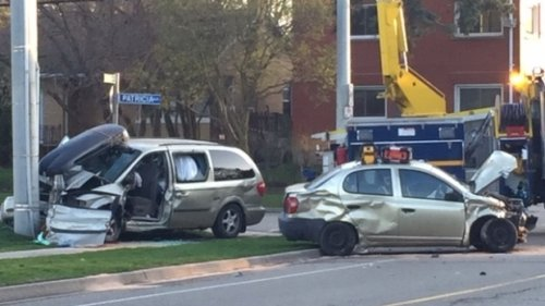 Van goes into hydro pole on major Kitchener road