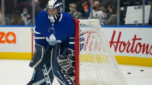 'It was surreal': University of Toronto student suits up for Toronto Maple Leafs
