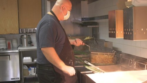 Barrie restaurants react to province lifting capacity limits