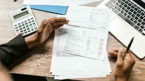 Rising cost of living, burden of COVID-19 forcing Canadians further into debt: survey