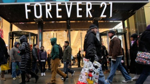 Fashion brand Forever 21 returns to Canada with collections in Hudson's Bay stores