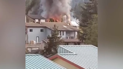 Massive fire displaces family in Gold River, B.C.