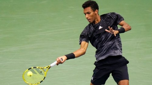Auger-Aliassime looks to follow Fernandez into finals in battle of the giants