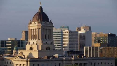 Capacity limits for businesses, indoor mask mandate to end in Manitoba starting Saturday