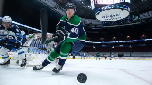 Pettersson, Hughes among 7 Vancouver Canucks players extended qualifying offers