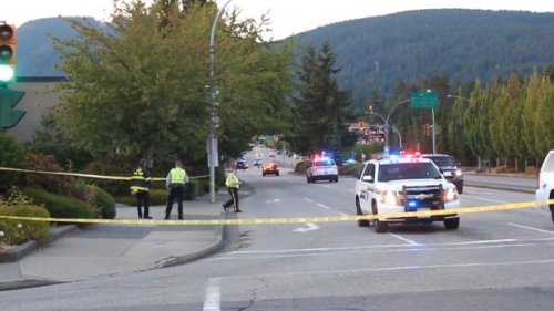 North Vancouver traffic: Highway closed for hours after crash leads to explosives investigation