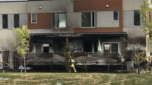 Fire breaks out at southwest Calgary home