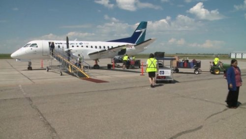 WestJet apologizes to customers, says refunds should be issued for rebooked flights