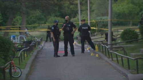 'This is irresponsible, outrageous behaviour,' Tory says of Toronto shooting that left 3 children injured