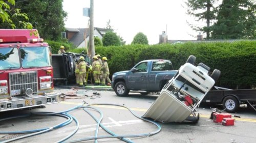 2 killed in rollover crash near Burnaby elementary school; Mounties looking for witnesses