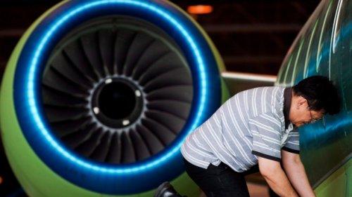 Production of De Havilland turboprops key to negotiations as strike deadline nears