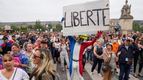 French protesters reject bill requiring vaccine passes