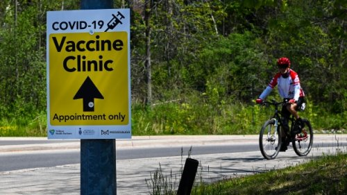 Where to find a COVID-19 vaccine clinic in Toronto this weekend