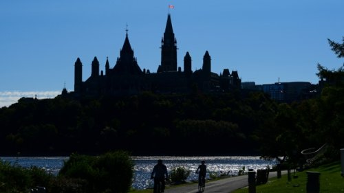 Canada Recovery Benefit now unavailable to people who didn't file taxes in 2019, 2020