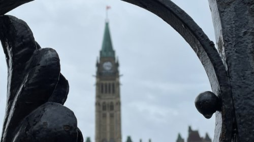 NDP join Liberals to cut short debate, move pandemic election bill forward