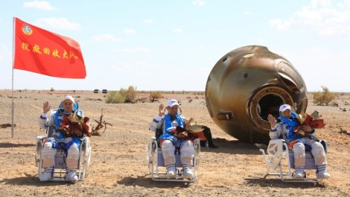 Chinese astronauts return after 90 days aboard space station