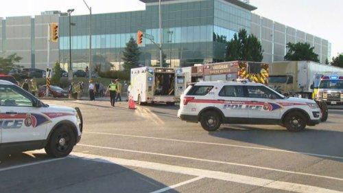 Emergency crews responding to multi-vehicle crash in Vaughan