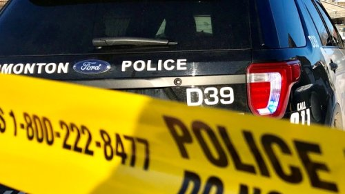 Vehicle collides with light pole, 1 dead and 2 in hospital