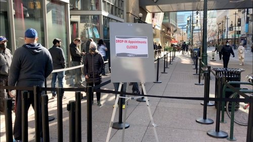 Calgary walk-in vaccination site reaches daily capacity limit at Telus Convention Centre