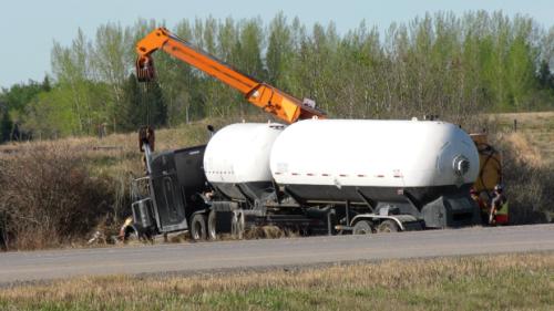 Semi stuck on train tracks near Saskatoon leads to partial highway closure