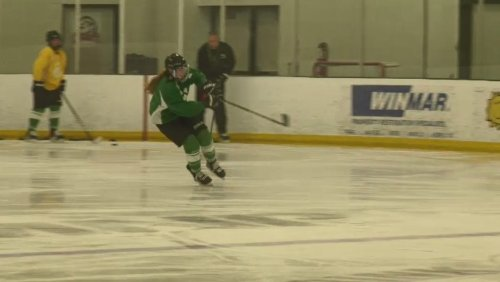 Huskies women's hockey coach says young squad learning to compete