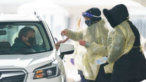 Canadians can drive to U.S. for COVID-19 vax and avoid quarantine, Ottawa confirms