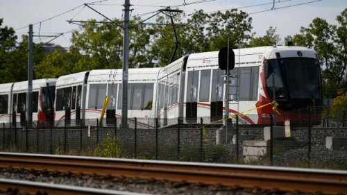 Commuters begin a fifth week without O-Train service as city reviews return-to-service plan