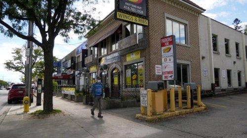 Toronto restaurant says it won't accept medical exemptions
