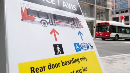 Pandemic hit Ottawa's transit system harder than others in Canada, report shows